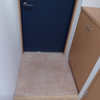 玄関にシューズボックスあり。good!