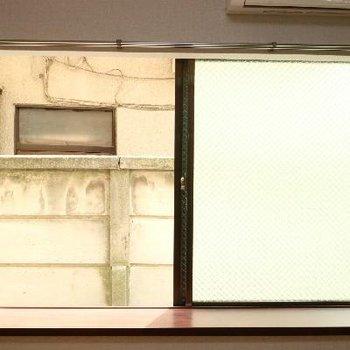 窓からの景色は、こんな感じ。
