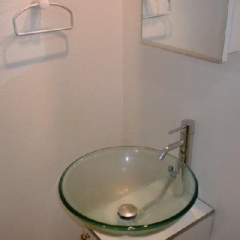 独立洗面台完備