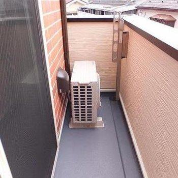 バルコニーは3階部分に。南向きで日当たり良好です!