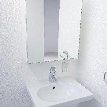 洗面台。鏡が大きくて◎