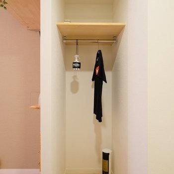 居室と廊下の間に実は収納が!