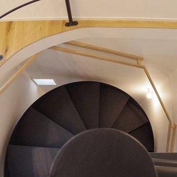 お洒落な螺旋階段!