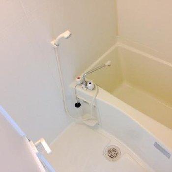 お風呂の広さはまぁまぁ。