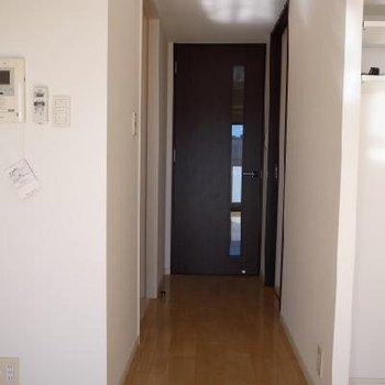 廊下※写真は別部屋です。