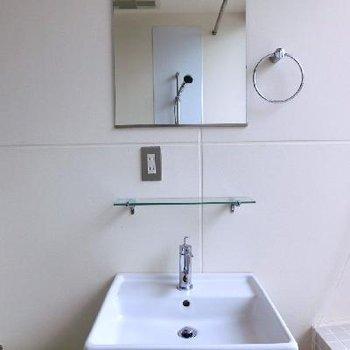 洗面台だってお洒落デザイン。