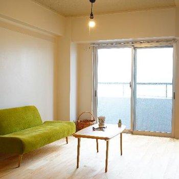 ソファが小さく見えるほど大きなお部屋です!