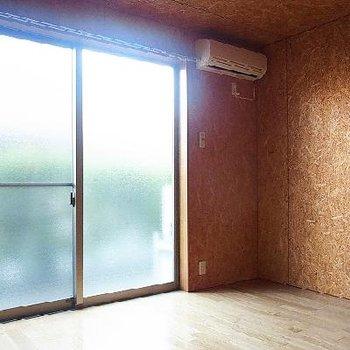 窓を開けると専用のテラスです※1F部分