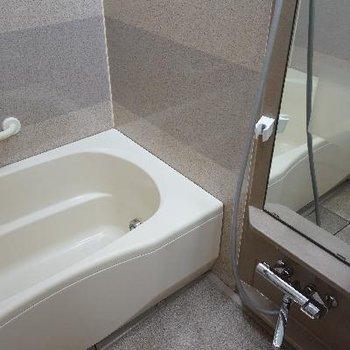 お風呂は暖房付き!