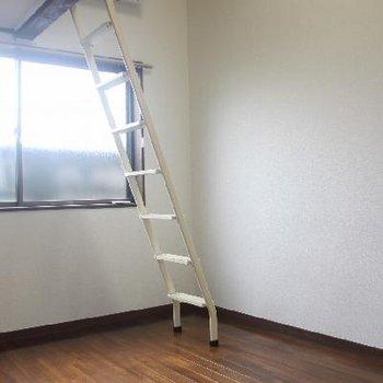 ロフト付きのお部屋になります