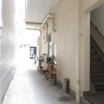 自転車はこちらのスペースに。