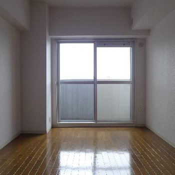 南側の洋室は子供部屋にしても良い!