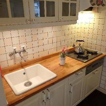 木天板のキッチン、これだけでインテリアとして機能します