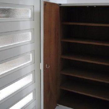 玄関のシューズボックス