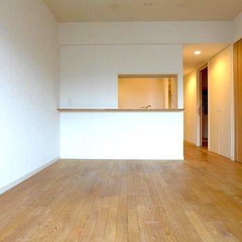 白いクロスに無垢の床。それだけで幸せ!※写真は前回募集時のものです