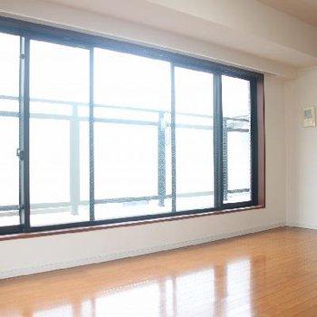 規格外の大きな窓