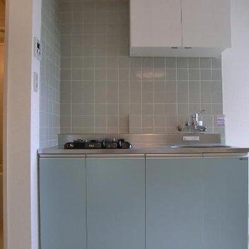 キッチンが青くてちょこんとしています!かわいい〜*以前掲載時の写真になります