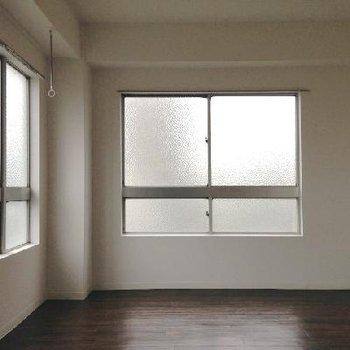 お部屋は7帖の広さ。