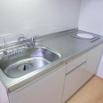 キッチンは大きめですが、IH1口。
