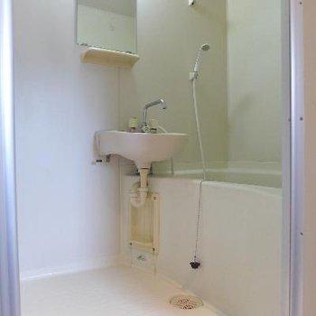 洗面台とお風呂が一緒の2点UB