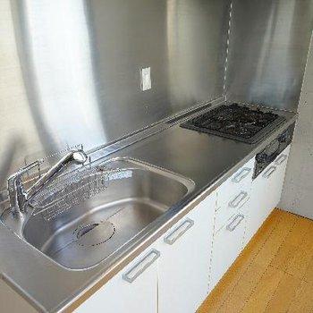 2.5階にあるキッチンは広々機能的!※写真は一部、前回募集時のものです