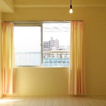 こちらのお部屋も柔らかい雰囲気。