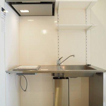キッチンはシンプルにIHコンロ