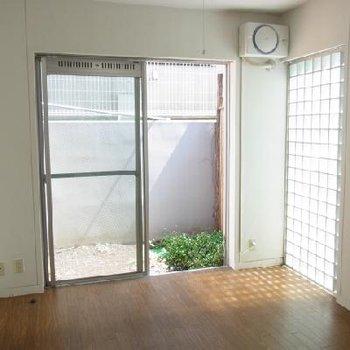 ガラスブロックで工夫された空間※写真は別部屋