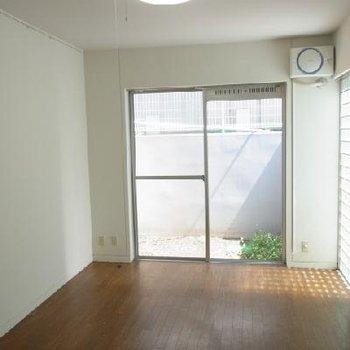 天井は2.5メートル※写真は別部屋