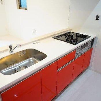 カウンターキッチンはゆったり空間で高機能♪
