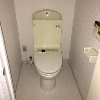 3階のトイレ少しだけ古いですね