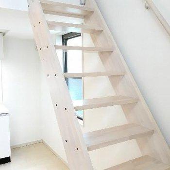 階段大きいので踏み外す心配はなさそうです。