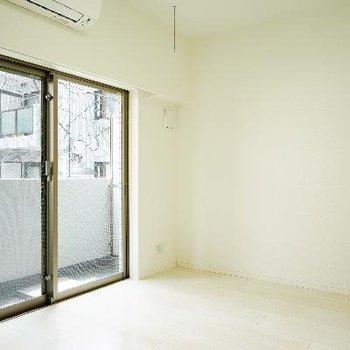 真っ白1Kのお部屋です!