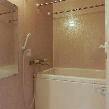 お風呂には浴室乾燥もあり※写真別部屋