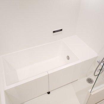 浴槽も幅と広さがありますよ!