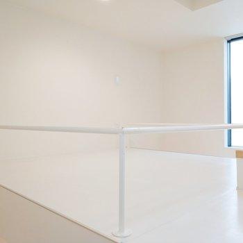 3階には白基調の素敵な空間が!