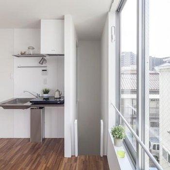 キッチン横の窓が嬉しい!