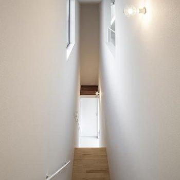 お部屋の核となる階段です。