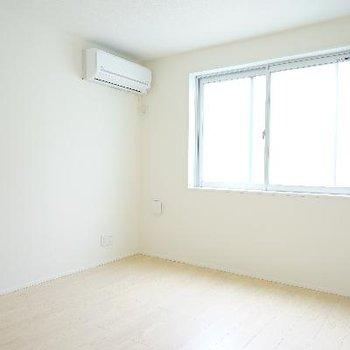 2階の居室その2。こちらが寝室になりそうです♪