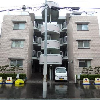 こちらのマンションの1階です。