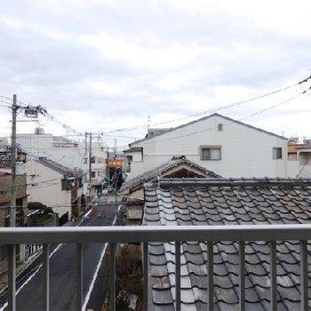 駒川商店街がチラリ。