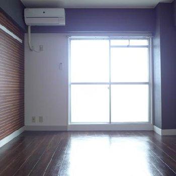 東向きのお部屋です。朝日で目覚められますよ〜※写真は別部屋