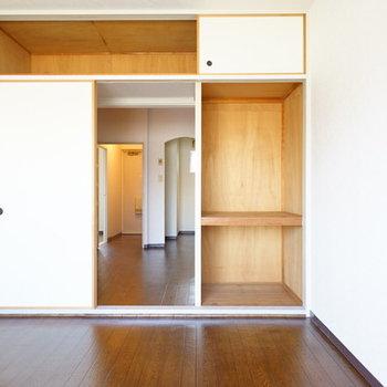 和室隣の洋室も収納あります!