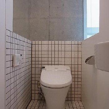 トイレも明るくなりますよ