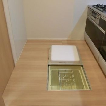 キッチンの床下収納!使える!!