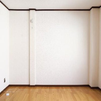 シンプルなお部屋。