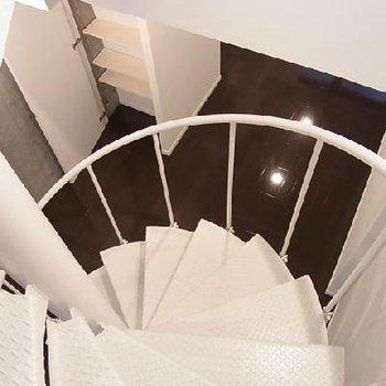 螺旋階段から下の様子※写真は別部屋