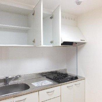 キッチンは天井高が低いので小さい方でも奥まで手が届く!※写真は前回募集時のものです