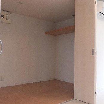 一部屋あるんじじゃないかと思うくらい広いWIC※電気が付いていなく、暗いですご了承ください。※写真は前回募集時のものです