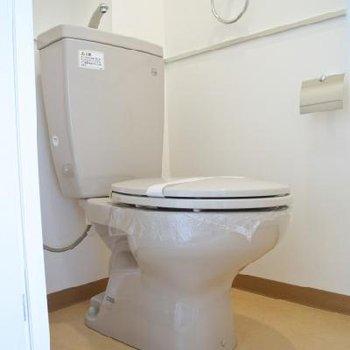 トイレシンプルです※写真は別の階のお部屋